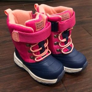 Carters girls snow boots size 7